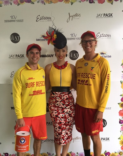 Red yellow fashions on the field