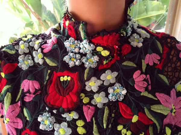 Colourful neckline collar beading couture